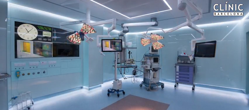 surgical light and medical pendant Clinic Barcelona